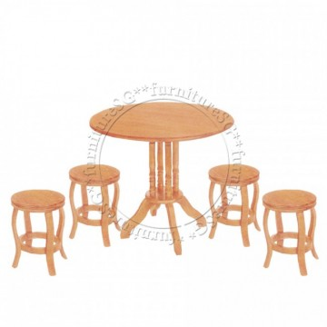 Moor Dining Table Set